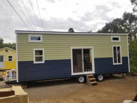 TINY HOME 4 SALE 8.5 x 30 FULL KITCHEN & BATHROOM